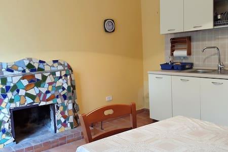 Casa independente a 2 piani sulle falde di Alburni - Postiglione - Gästehaus