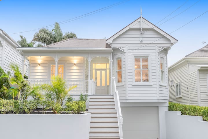 Beautiful 5 bedroom Grey Lynn Villa
