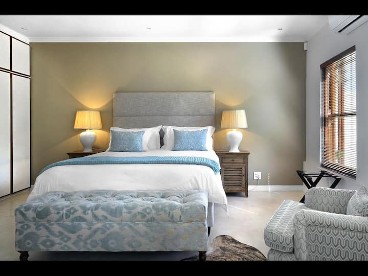 Grand Suite Double Bed At Franschhoek
