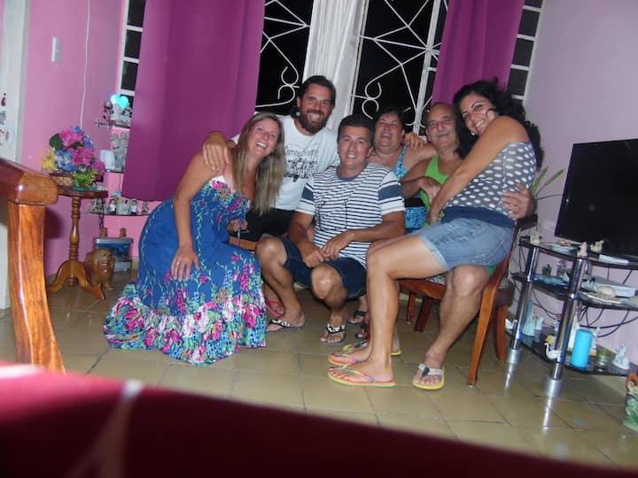 Disfrute Cuba SonRIEnTE (Wifi en Casa,Guía gratis)