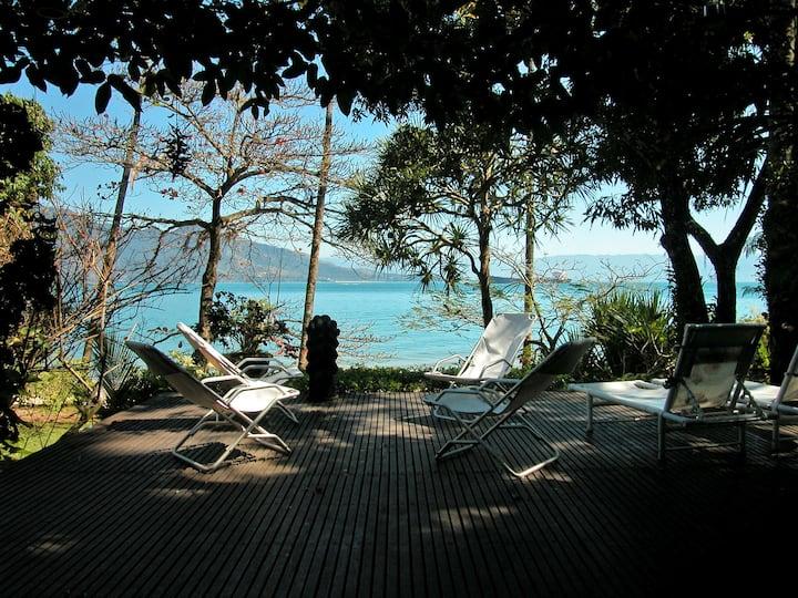 Seaside Oasis @ Arrozal Beach
