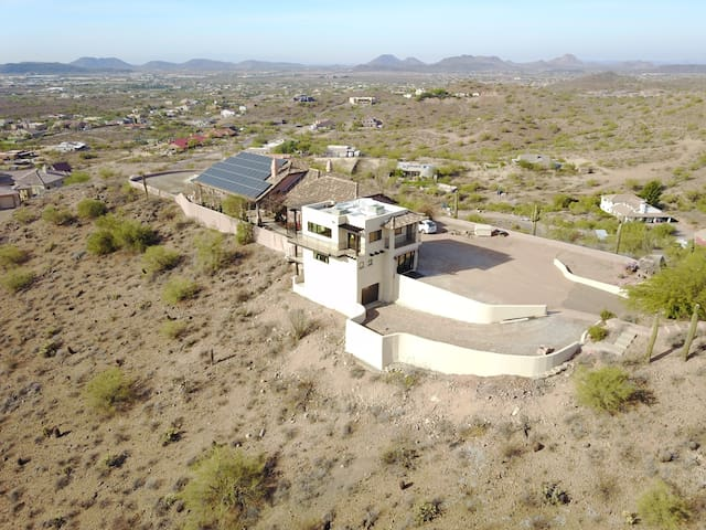 6-Acre Private Hilltop Estate w/ Incredible Views! - Phoenix - Guesthouse