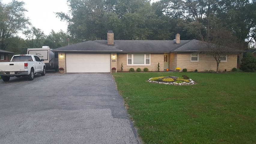 Nice apt for families with kids - Brownsburg - Apartament