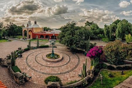 Habitación en  Hacienda Castillo Matrimonial