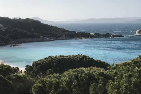 Baja Sardinia - Bilocale con splendida vista mare - Baja Sardinia - 公寓