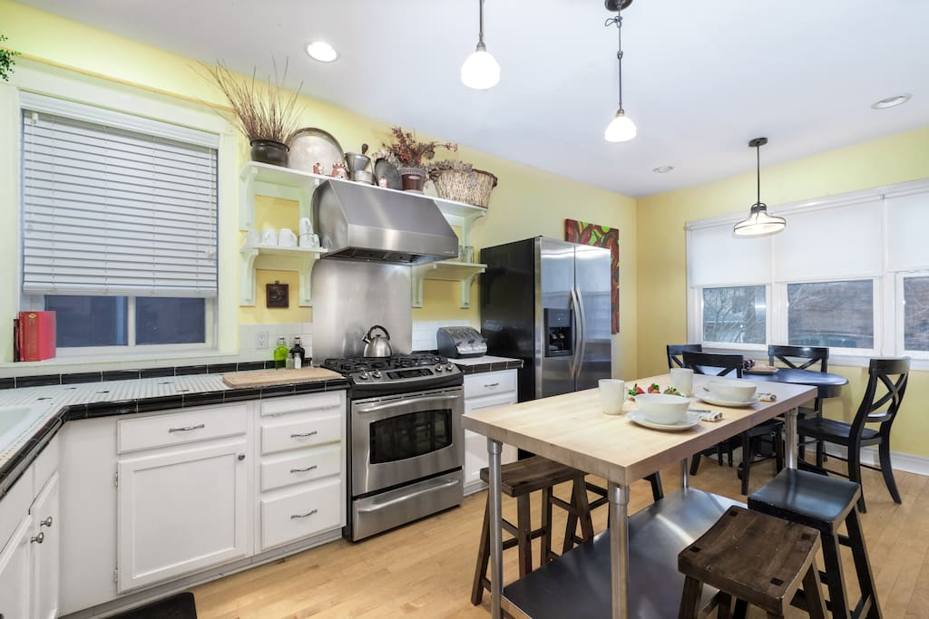 Fully Equipped Dine-In Kitchen