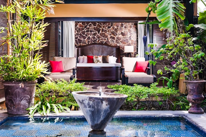 Contemporary tropical concept, where the jungle meets the inside.