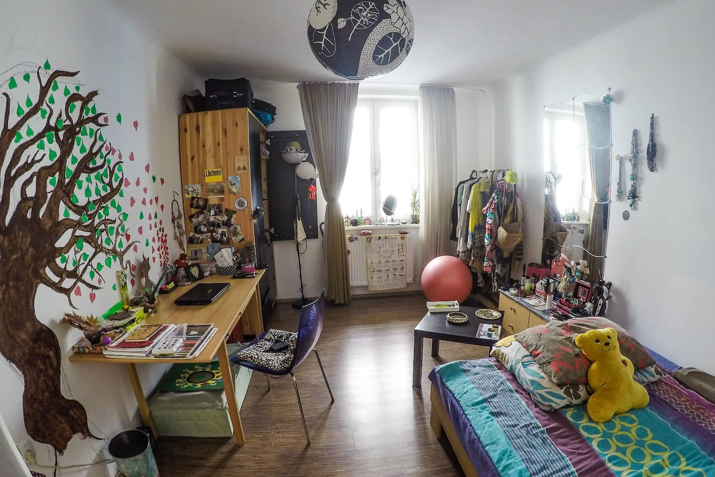 Your completely furnished room (without all the stuff)