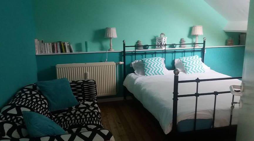 Chambre (petit studio) à louer