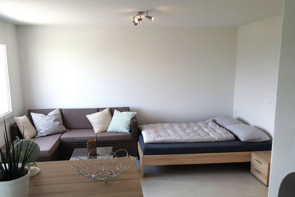 Wohnzimmer / Bett