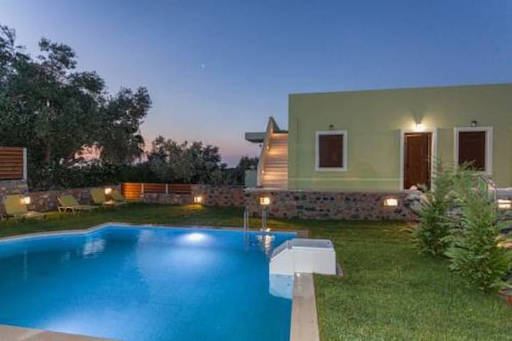 Ideally located villa 1 with amazing sea views!
