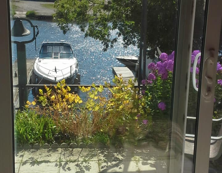 Beautiful Waterfront One  Bedroom Apartment