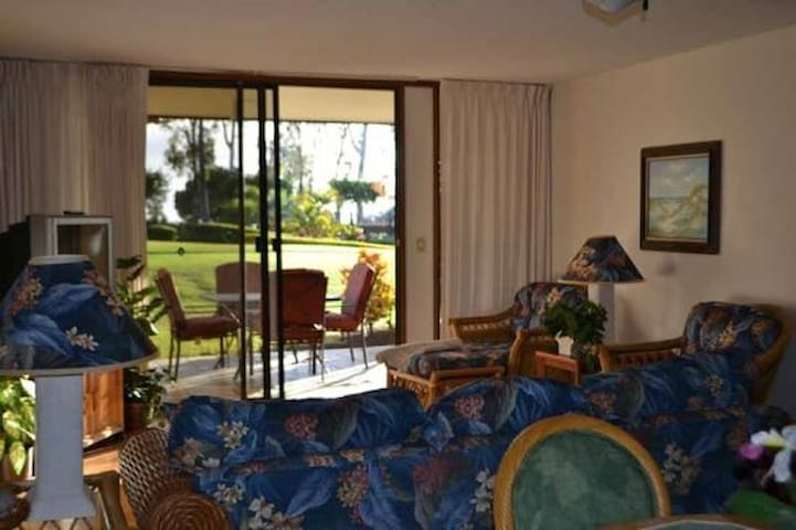 NEW LISTING! Hawaii Living!  Close to Beaches!  2 Bed/2 Bath