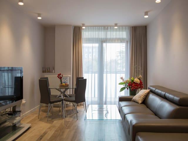 Pure Rental - Exclusive Apartment/ Parking/ Centre