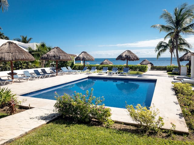 Casita Caracol, Beach view apartment/king size bed