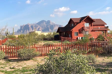 The Desert Cabin -Luxury in E Valley with Swim Spa