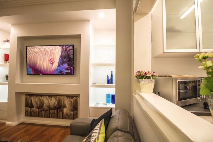 M107 Studio City Pad Perth, Smart TV free wifi