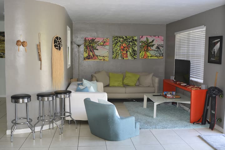 2/1 Gem in the Miami Design District! Duplex 1