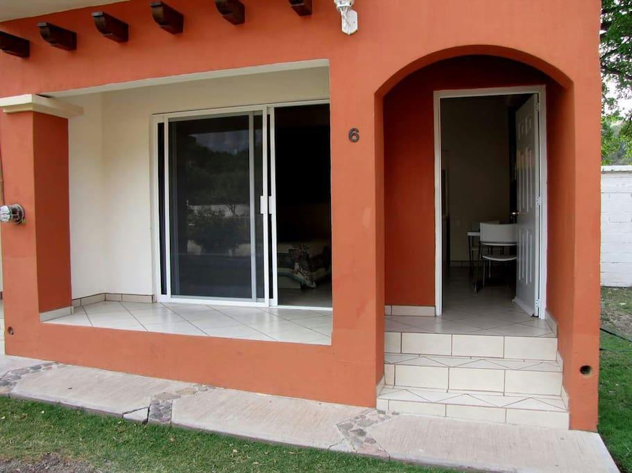 Habitaciones con balcón y acceso independiente