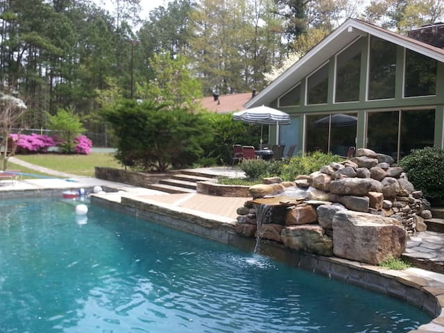 ESTATE 166: Private estate with pool and tennis - Douglasville - Rumah