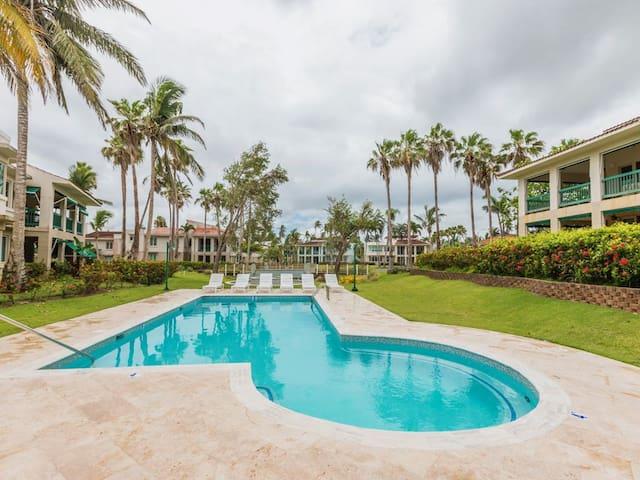 Villa Iris 2 Story Ocean View Villa W/ Pool Access
