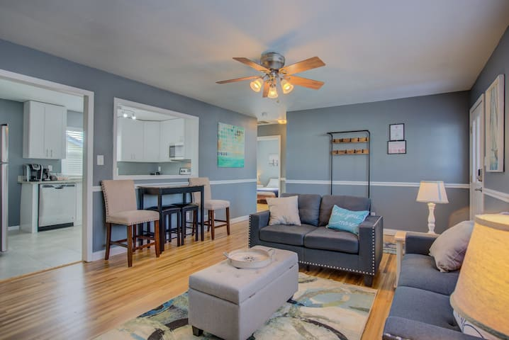 2BR | Mid-Term & Corporate Rental | Dog Friendly!