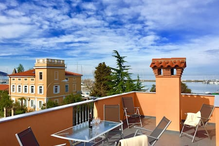 Top quality flat// Sea views//Private roof terrace - Izola - อพาร์ทเมนท์
