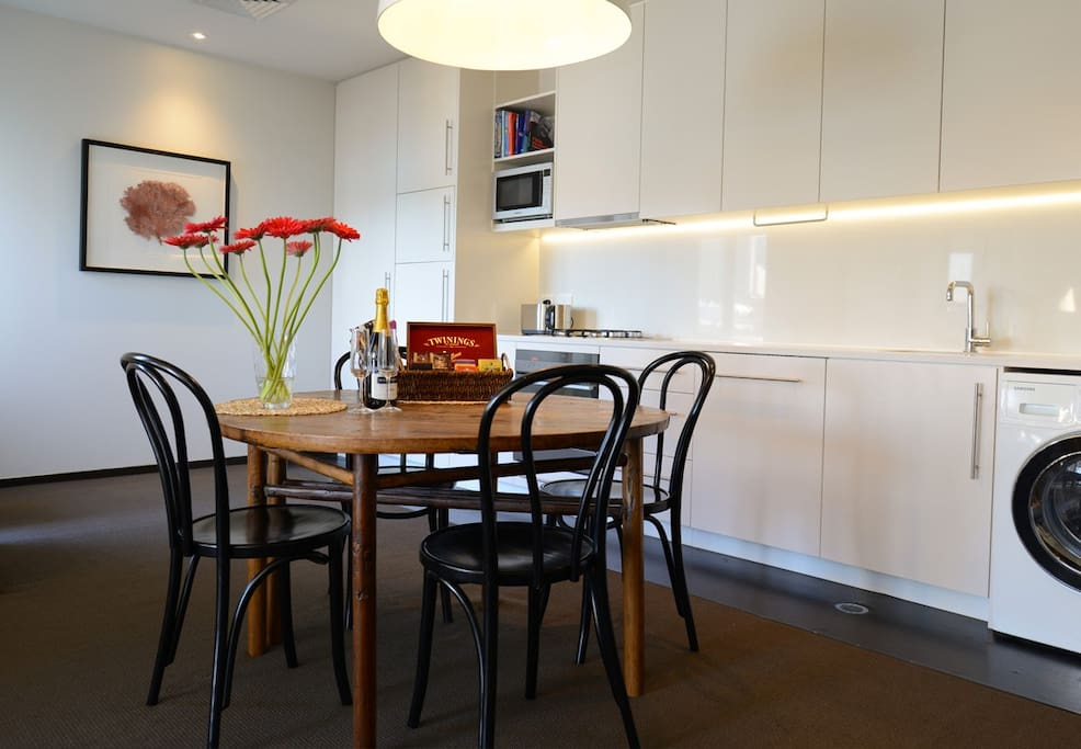 Balmain Wharf Apartments #2 Dining & Kitchen