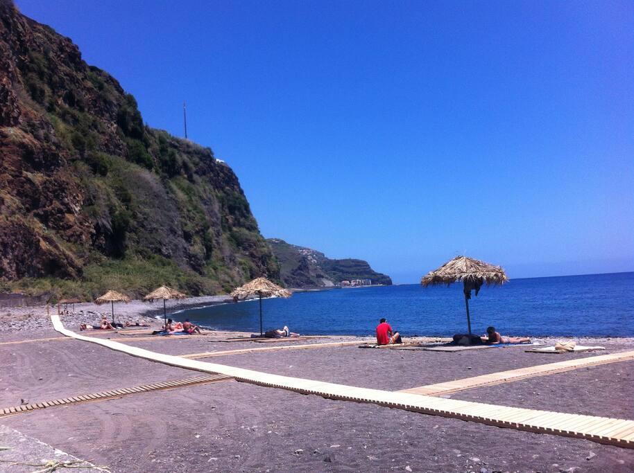 Lugar de Baixo Beach - summer
