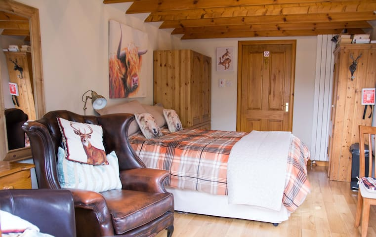Beautiful serviced bothy hidden in lovely gardens - Arbroath
