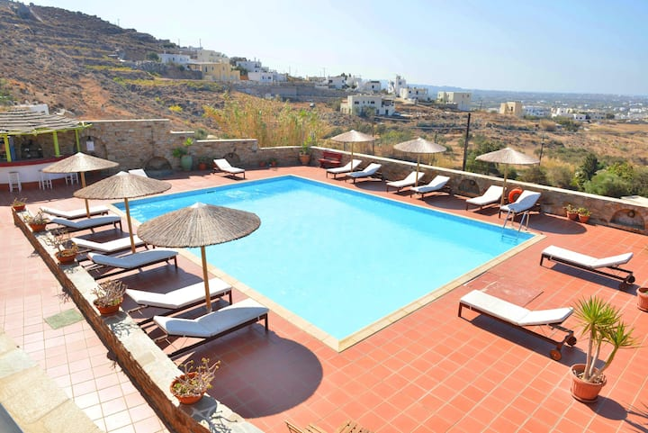 2-Bedroom Apartment-Town, Sea and Pool View