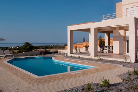 Villa Phoebe, Private Villa With Panoramic Views - Gennadi - Hus