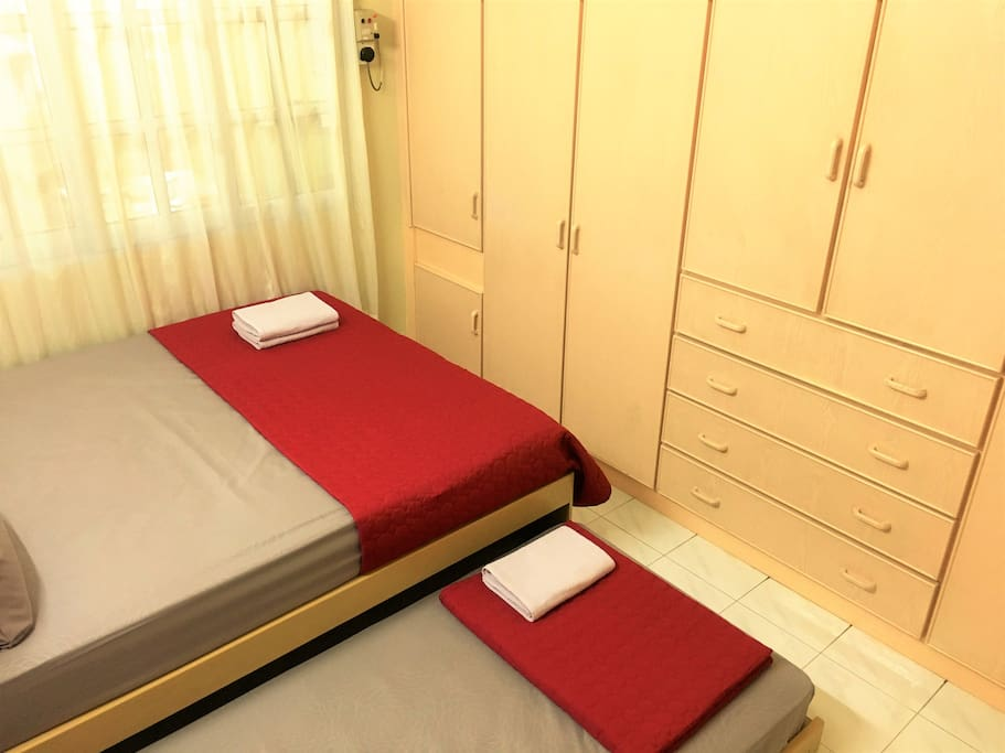 1 Queen bed and 1 pull out Single bed, comfortably fit up to 3 pax