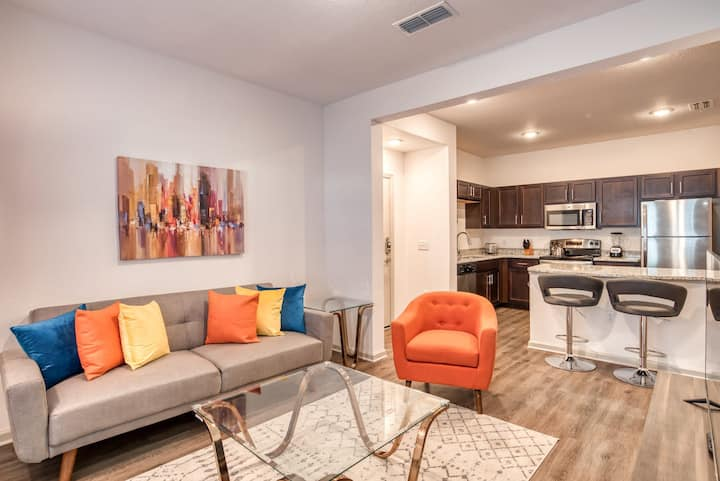 Stay Gia | Modern 2 Bedroom Apartment | The Landing | With Patio