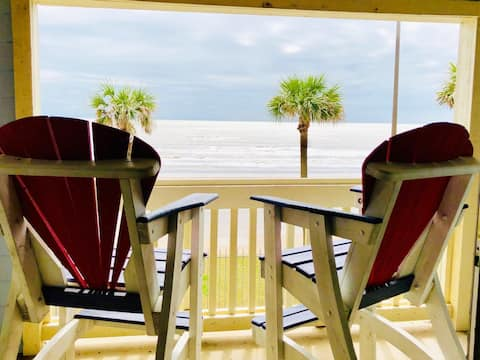 ☀Trendy Seaside Condo w Beach Views, Pool & HotTub