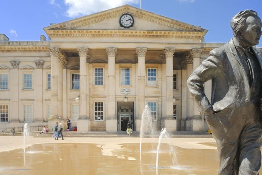 Huddersfield Train Station