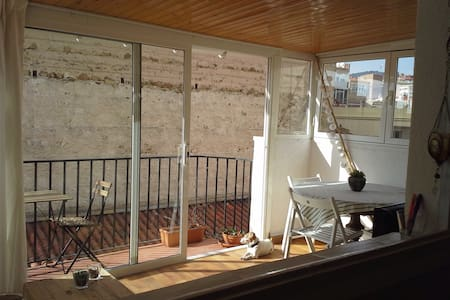 Apartment for 4 with roof terrace 150m from beach - Calella - Lakás
