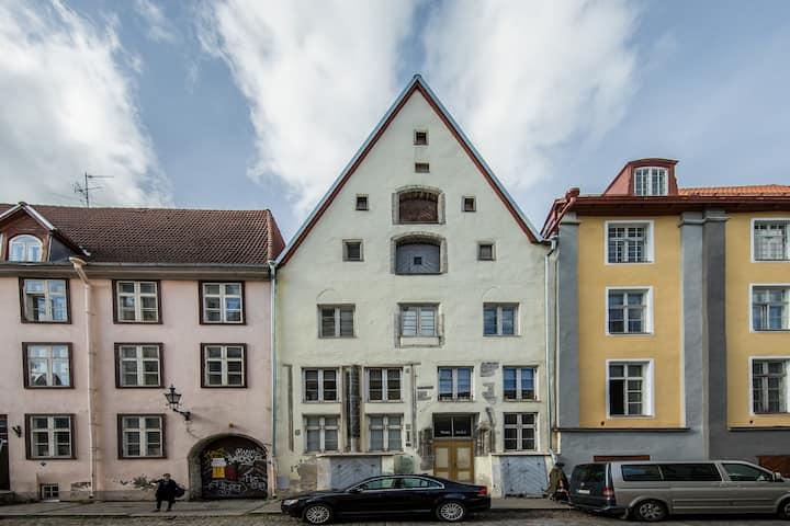 🏰 Design Studio with Bremen Tower view
