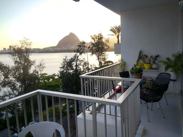 Lindo bairro Lagoa! 3 quartos! Vista maravilhosa!