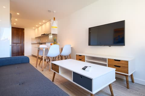 Apartamento moderno con vistas al mar cerca centro
