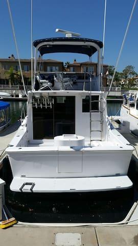38' uniflite sport fishing boat