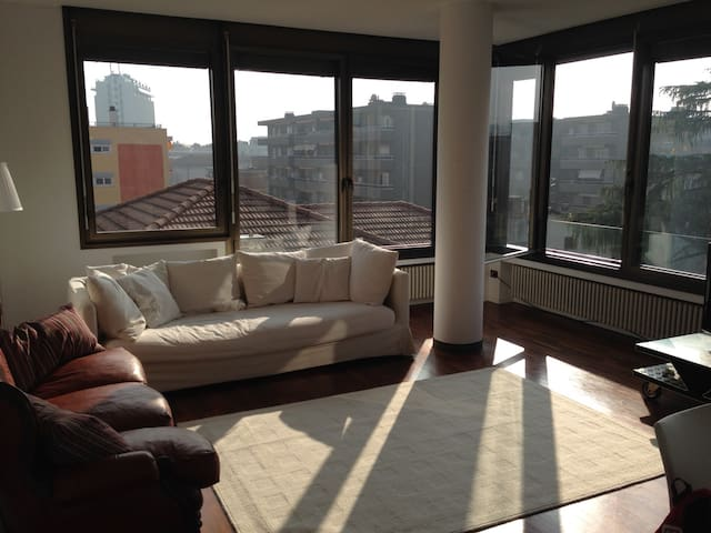 Cozzy  2 bedrooms flat close to the lake - Lugano - House