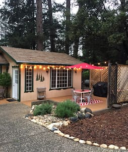 Cozy cabin - conveniently located - Colfax - Haus