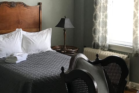 Serenity Suite, The Story Street Inn