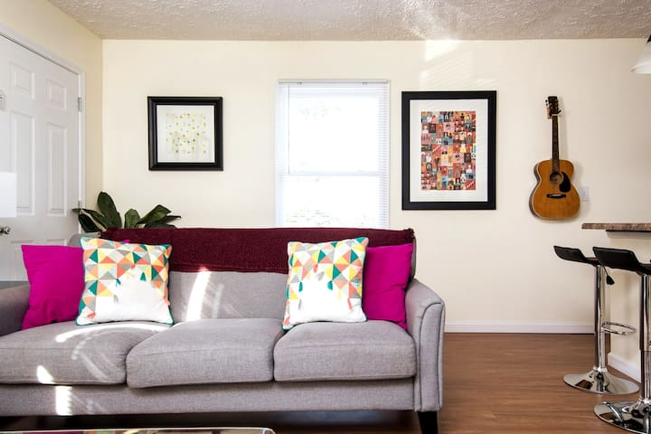 Spacious East Nash Apt!  Walk to Top Restaurants!