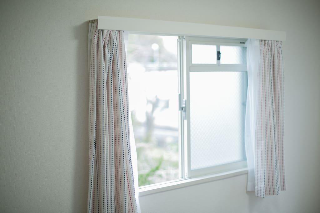 大大的窗戶/large window
