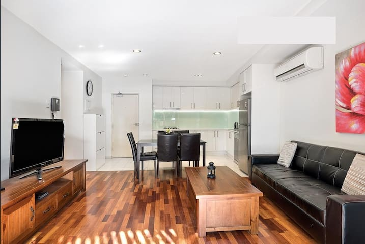 2 Bedrooms 2 Bathrooms Apt at Central Box Hill