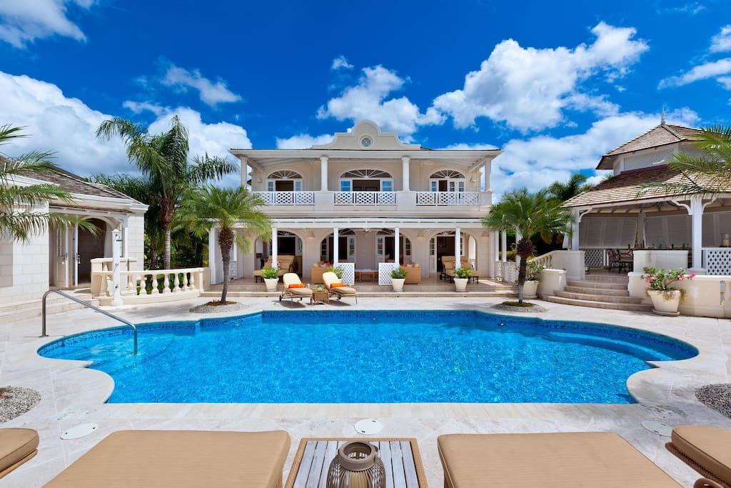 Airbnb Sugar Hill Luxury Villa