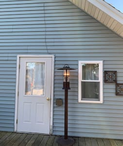 Quaint Retreat -Easy to Lambeau, Oshkosh, Door Cty