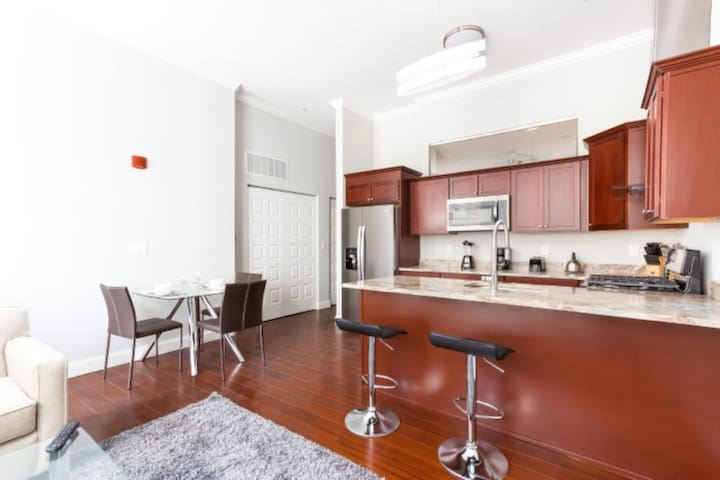 New 2-BR in Pittsburgh near The Andy Warhol Museum
